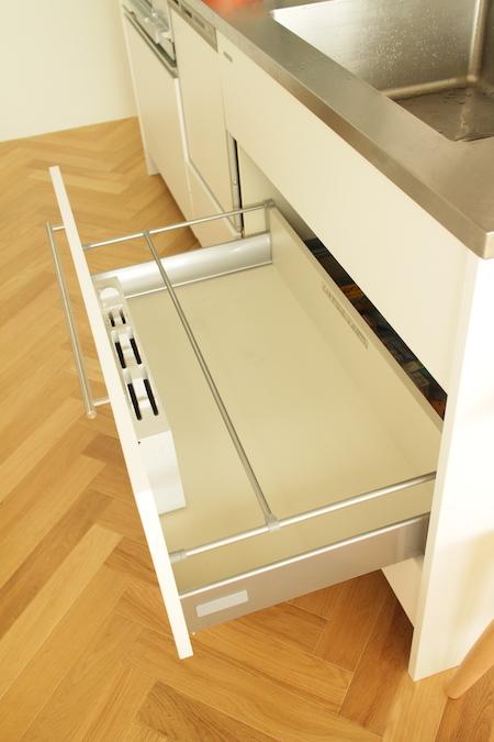 キッチン収納1.JPG